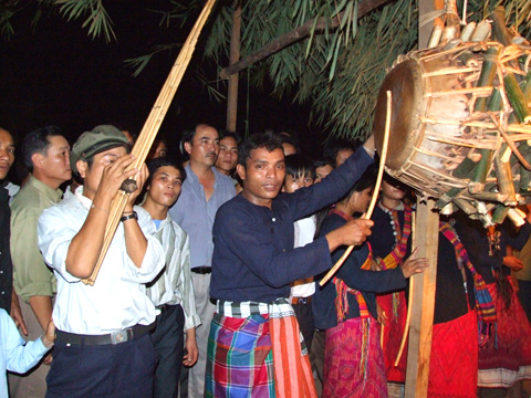Breaking Drum Festival of the Ma Coong in Quang Binh