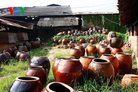 ancient pottery tells chinas agricultural prosper The ancient dynasties: china's prehistory like in mesopotamia, egypt, and the indus river valley, civilization in china developed around a great river the yellow.